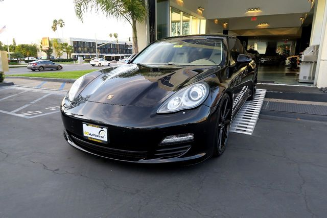 2010 Porsche Panamera 4dr Hatchback S - Click to see full-size photo viewer