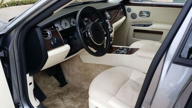 2010 Rolls-Royce Ghost 4dr Sedan - 14633125 - 21