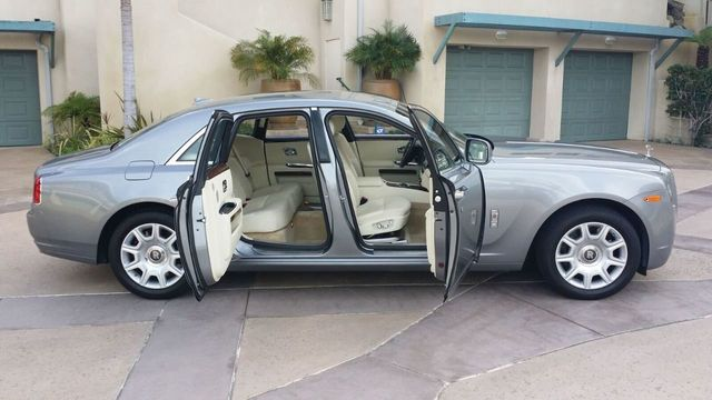 2010 Rolls-Royce Ghost 4dr Sedan - 14633125 - 32