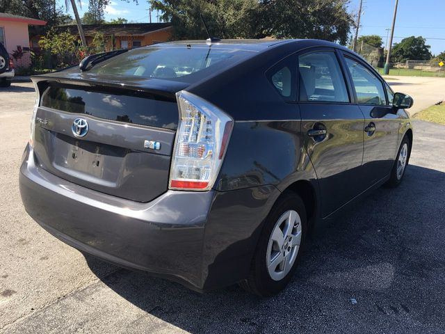 2010 Toyota Prius  - Click to see full-size photo viewer