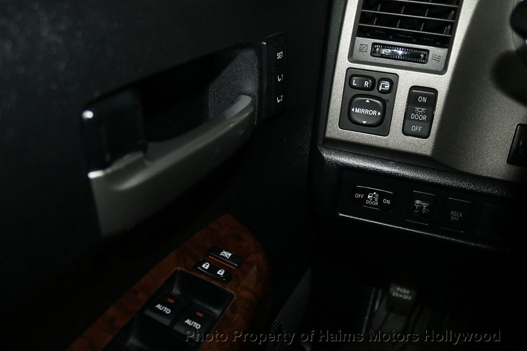 2010 Toyota Tundra CrewMax 5.7L FFV V8 6-Speed Automatic LTD - 17891735 - 27