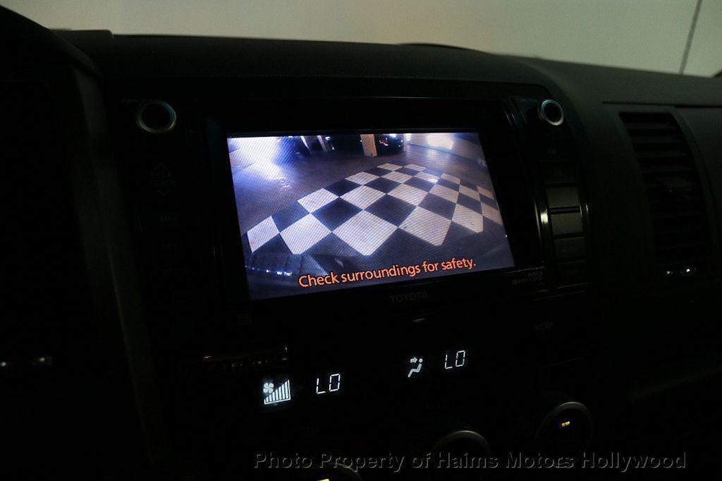 2010 Toyota Tundra CrewMax 5.7L FFV V8 6-Speed Automatic LTD - 17891735 - 34