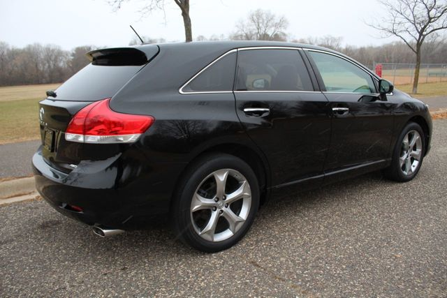 2010 Toyota Venza LEATHER MOONROOF w/ NEW TIRES - Click to see full-size photo viewer