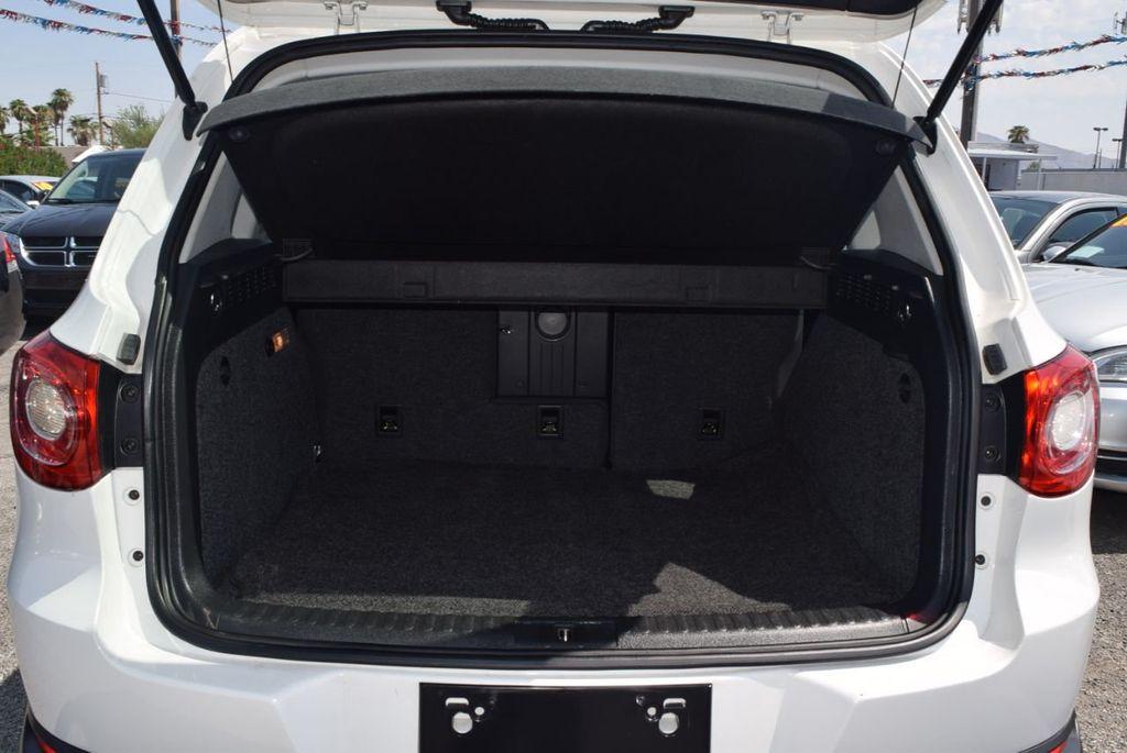 2010 Volkswagen Tiguan FWD 4dr Automatic S - 18227524 - 11