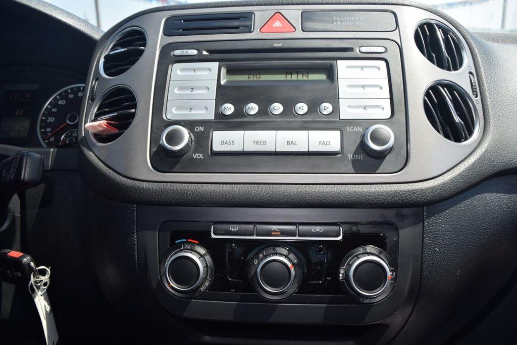 2010 Volkswagen Tiguan FWD 4dr Automatic S - 18227524 - 8