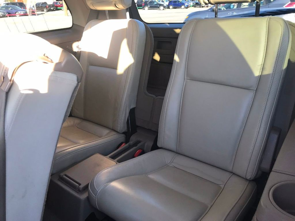 2010 Volvo XC90 AWD 4dr V8 - 18356730 - 9