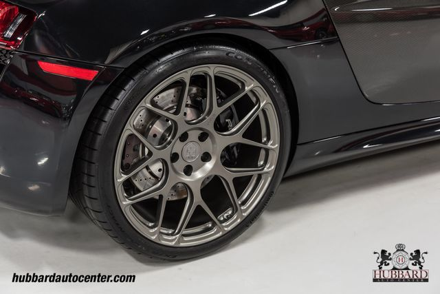 2011 Audi R8 Loaded w/ factory carbon fiber options & aftermarket HRE wheels - Click to see full-size photo viewer