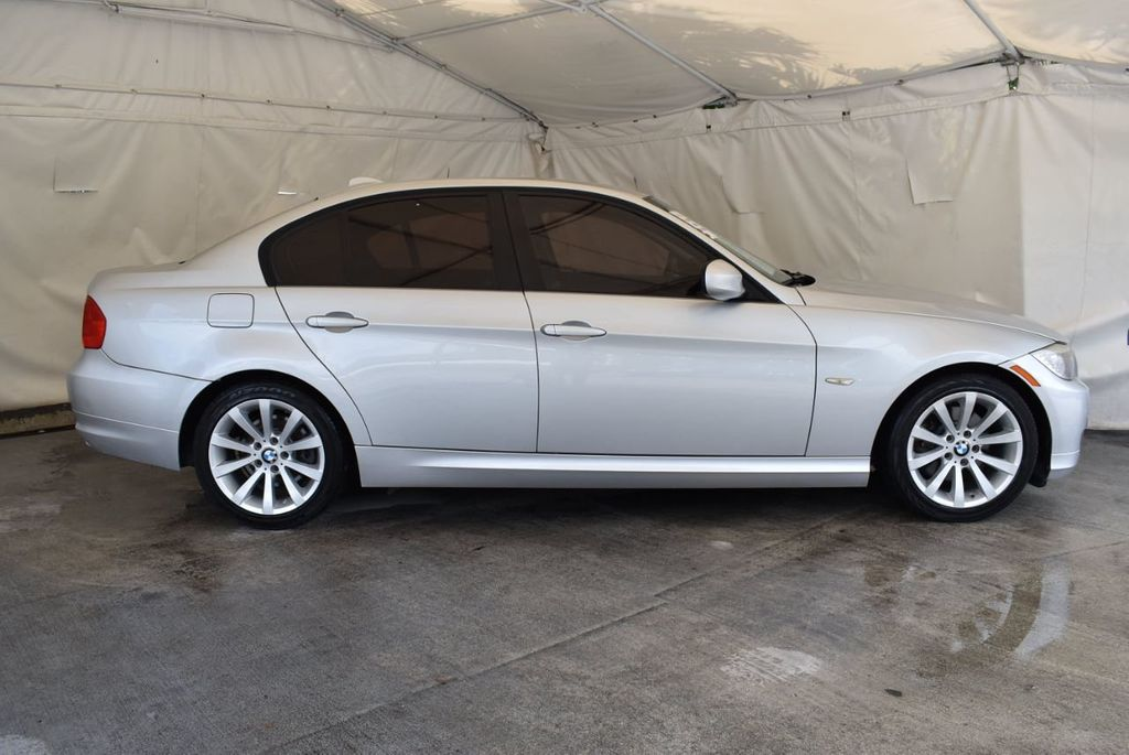 2011 BMW 3 Series 328i - 18250207 - 2
