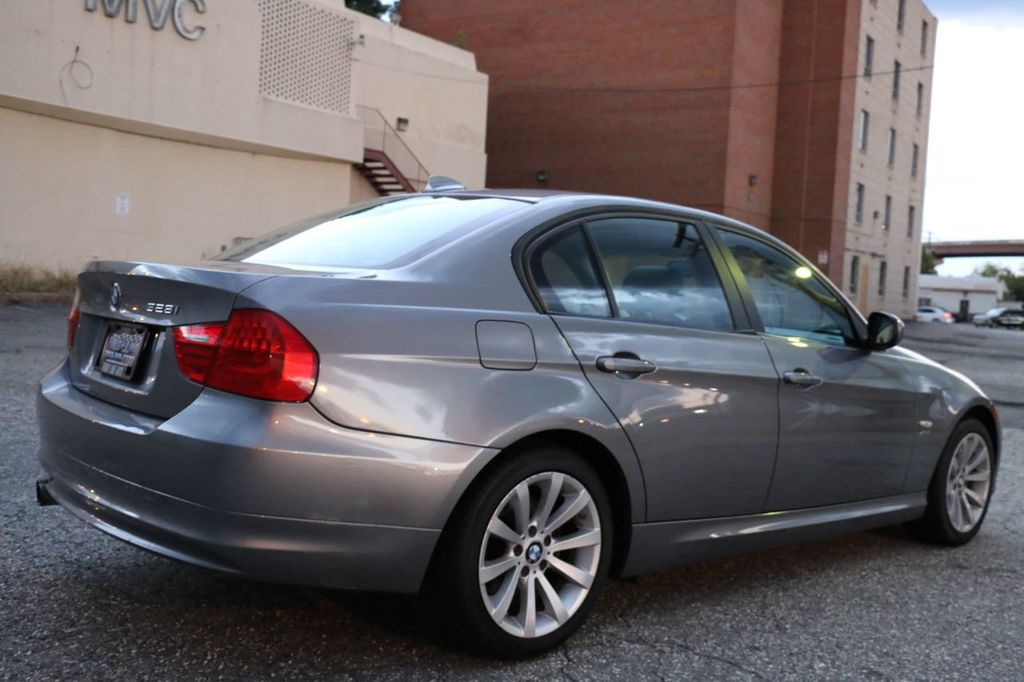 2011 BMW 3 Series 328i xDrive - 18225525 - 10