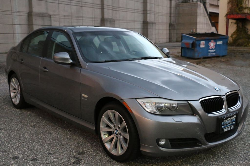 2011 BMW 3 Series 328i xDrive - 18225525 - 11
