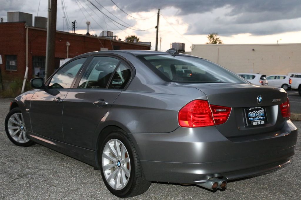 2011 BMW 3 Series 328i xDrive - 18225525 - 5