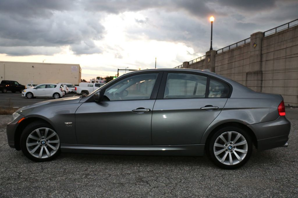 2011 BMW 3 Series 328i xDrive - 18225525 - 6