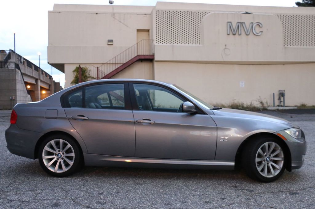 2011 BMW 3 Series 328i xDrive - 18225525 - 7