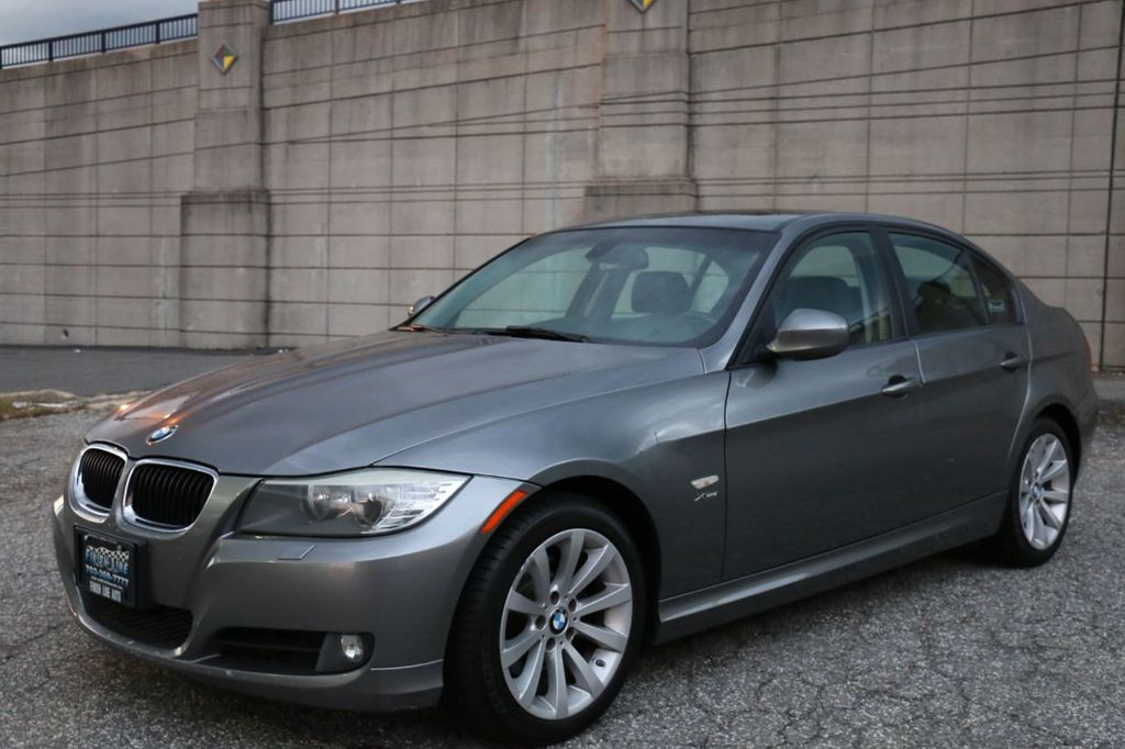 2011 BMW 3 Series 328i xDrive - 18225525 - 8
