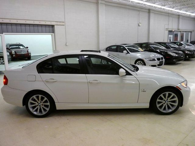 2011 used bmw 3 series 328i xdrive sedan at luxury automax serving chambersburg pa iid 8436713. Black Bedroom Furniture Sets. Home Design Ideas