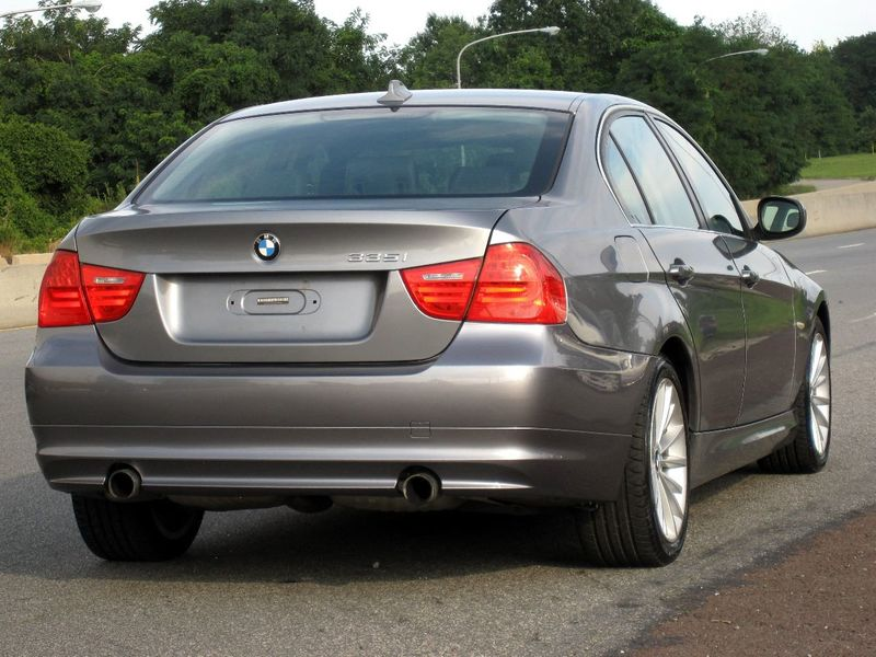 2011 BMW 3 Series 335i xDrive - 19208262 - 11