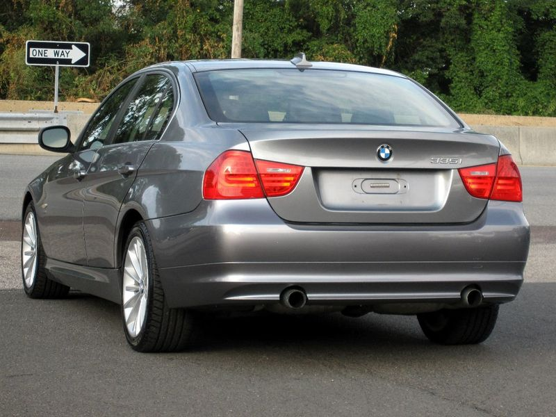 2011 BMW 3 Series 335i xDrive - 19208262 - 12