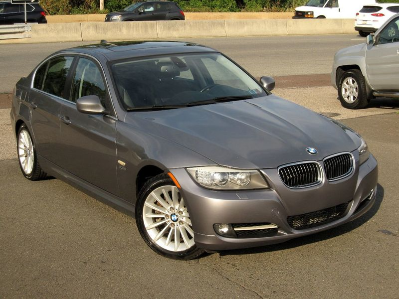 2011 BMW 3 Series 335i xDrive - 19208262 - 1