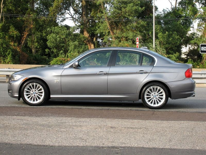2011 BMW 3 Series 335i xDrive - 19208262 - 5