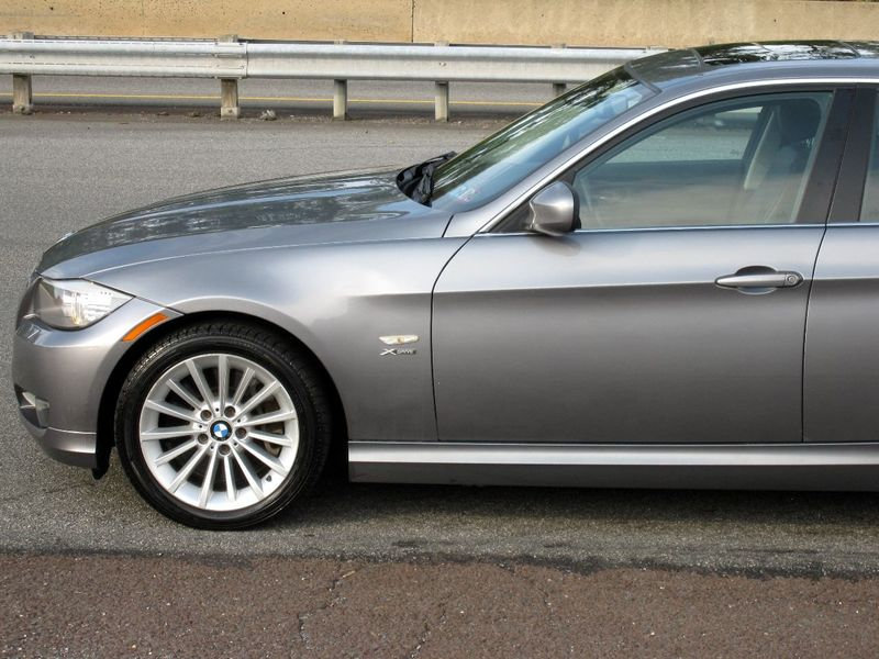 2011 BMW 3 Series 335i xDrive - 19208262 - 6