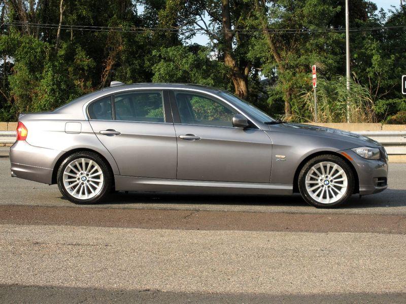 2011 BMW 3 Series 335i xDrive - 19208262 - 8