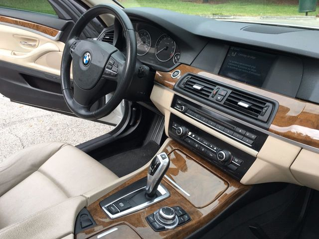2011 BMW 5 Series 528i - Click to see full-size photo viewer