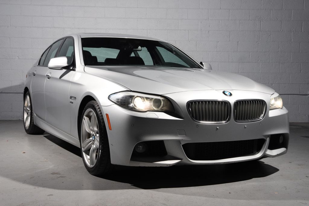 2011 BMW 5 Series 550i xDrive - 18193519 - 0