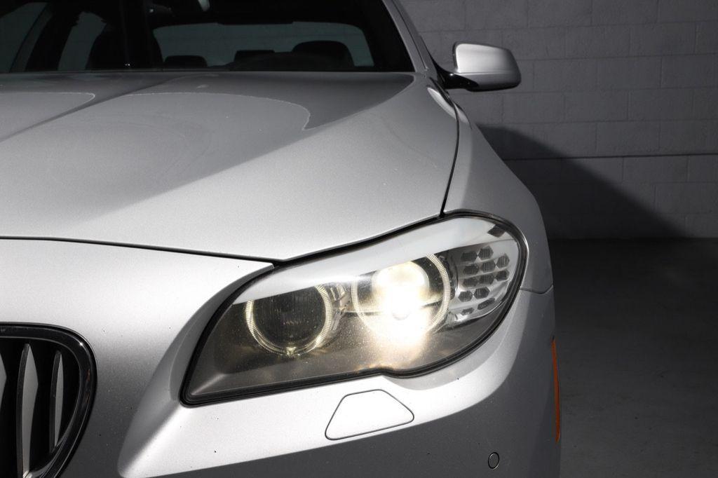 2011 BMW 5 Series 550i xDrive - 18193519 - 9