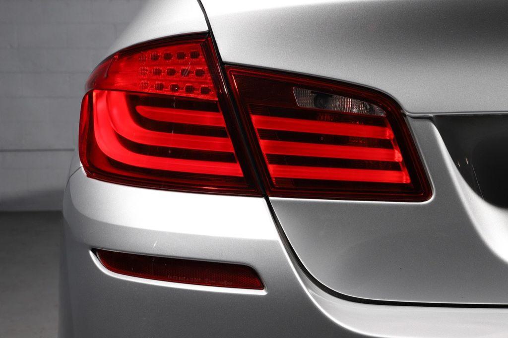 2011 BMW 5 Series 550i xDrive - 18193519 - 10