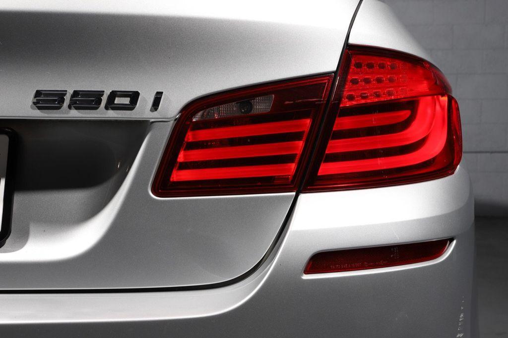 2011 BMW 5 Series 550i xDrive - 18193519 - 11