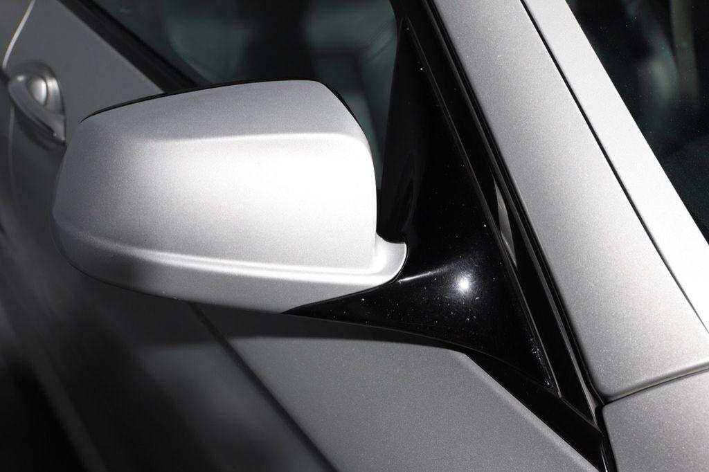 2011 BMW 5 Series 550i xDrive - 18193519 - 16