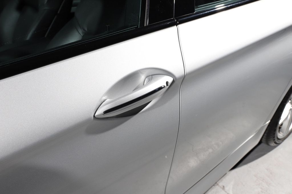 2011 BMW 5 Series 550i xDrive - 18193519 - 20