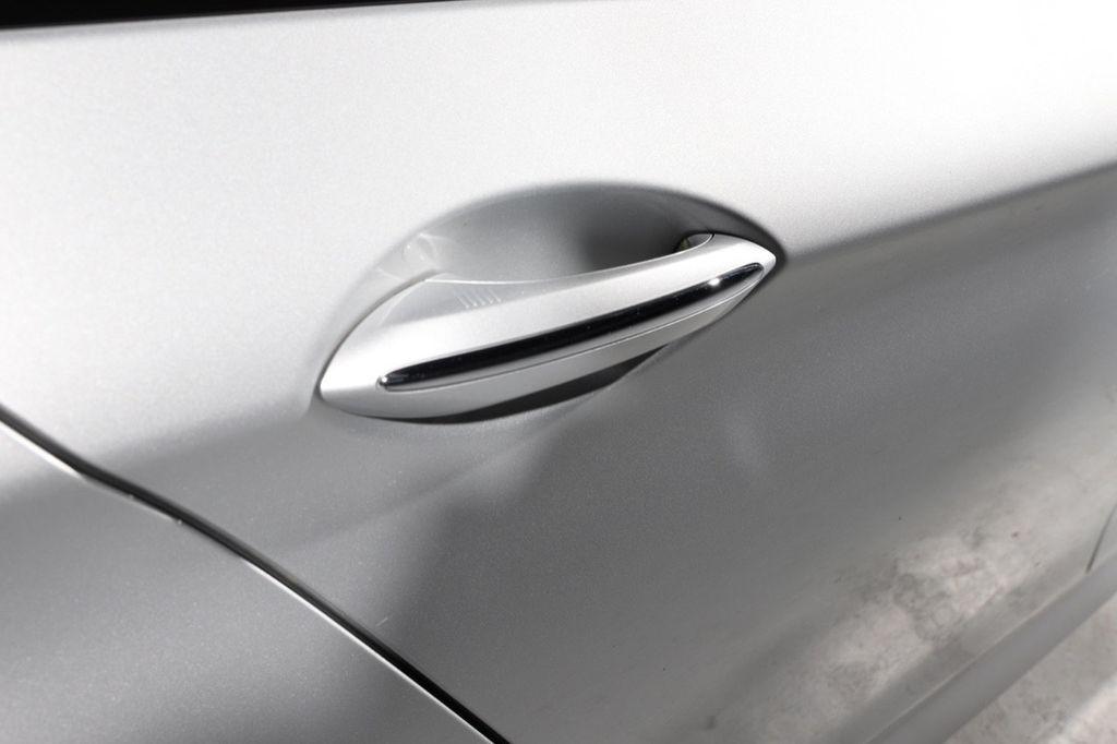 2011 BMW 5 Series 550i xDrive - 18193519 - 21