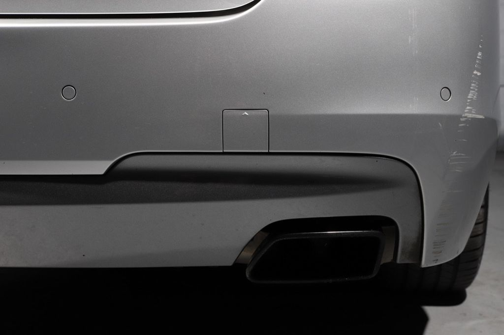 2011 BMW 5 Series 550i xDrive - 18193519 - 22