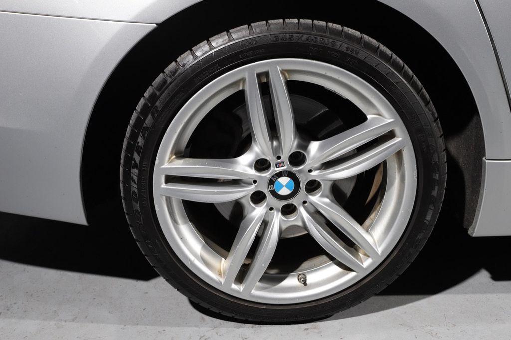 2011 BMW 5 Series 550i xDrive - 18193519 - 29