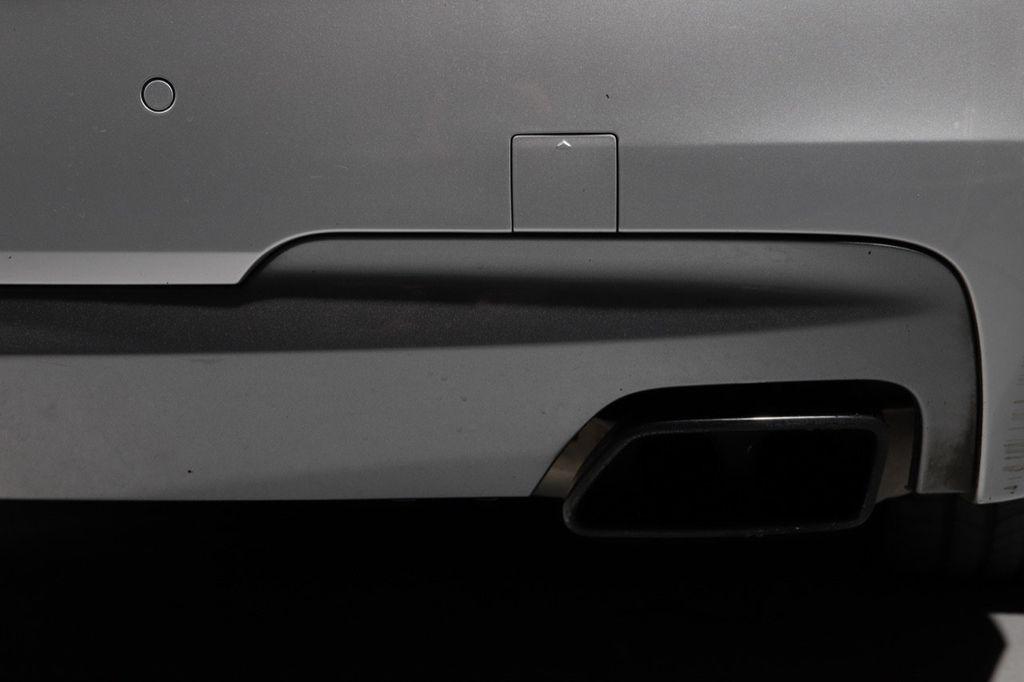2011 BMW 5 Series 550i xDrive - 18193519 - 30