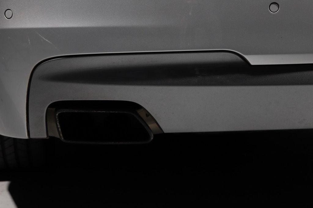 2011 BMW 5 Series 550i xDrive - 18193519 - 31