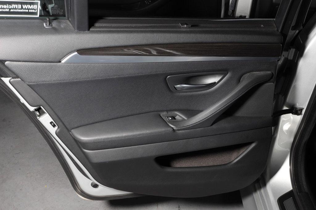 2011 BMW 5 Series 550i xDrive - 18193519 - 38