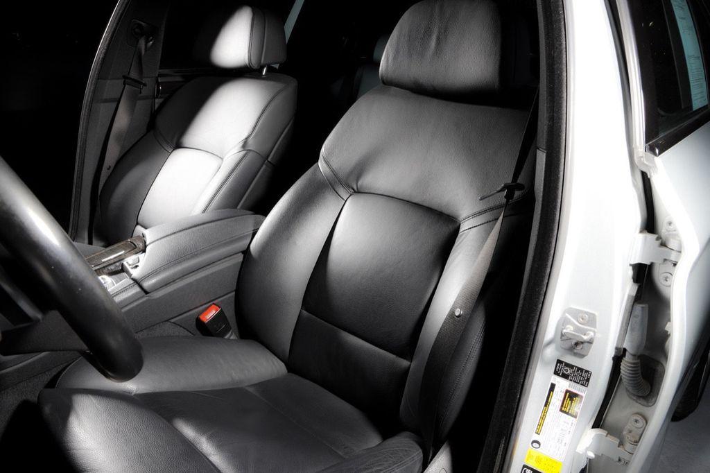 2011 BMW 5 Series 550i xDrive - 18193519 - 42