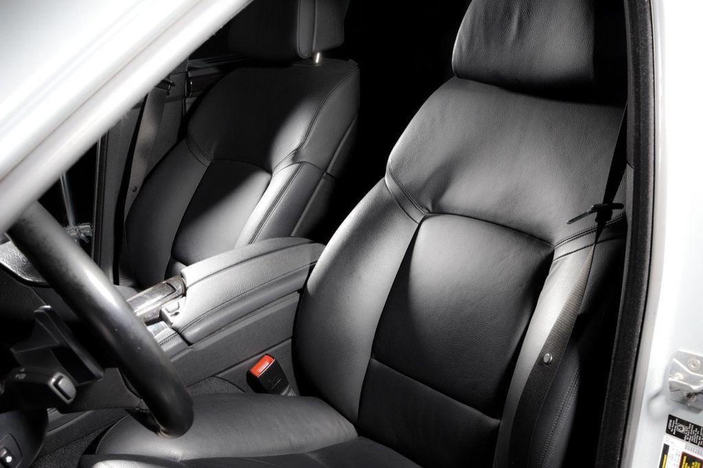 2011 BMW 5 Series 550i xDrive - 18193519 - 48