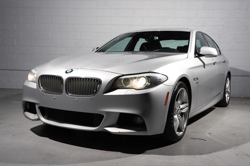 2011 BMW 5 Series 550i xDrive - 18193519 - 4