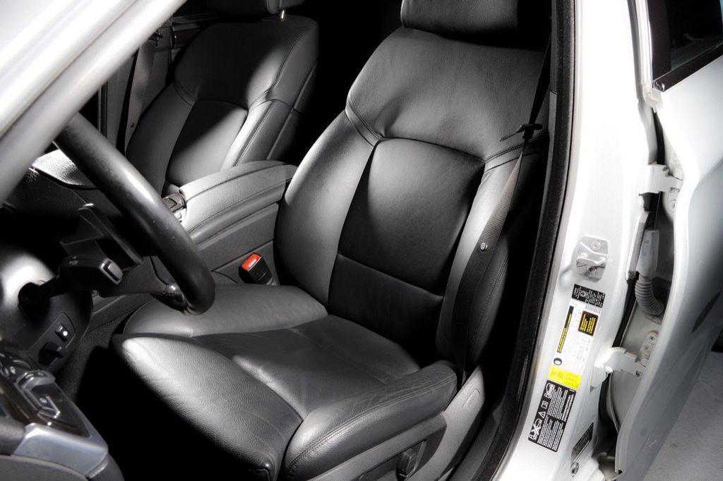 2011 BMW 5 Series 550i xDrive - 18193519 - 49