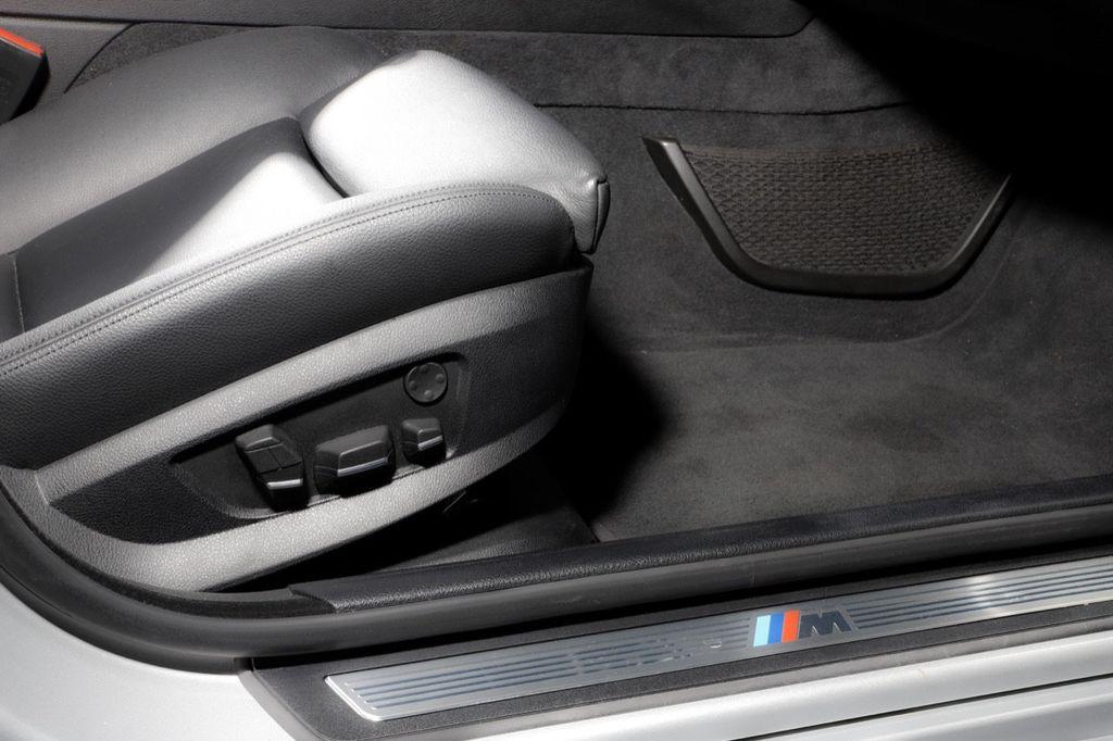 2011 BMW 5 Series 550i xDrive - 18193519 - 51