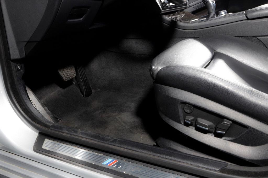 2011 BMW 5 Series 550i xDrive - 18193519 - 52