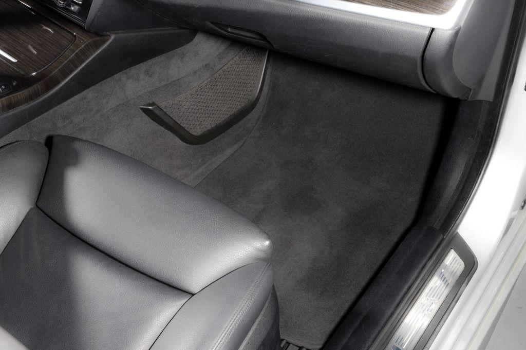 2011 BMW 5 Series 550i xDrive - 18193519 - 54
