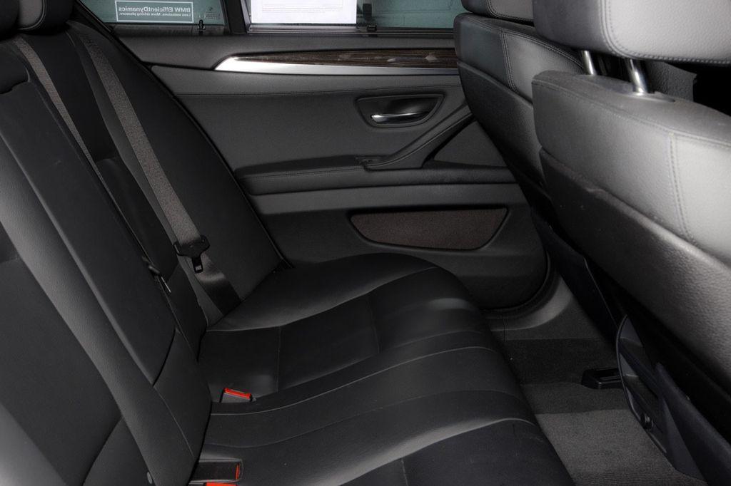 2011 BMW 5 Series 550i xDrive - 18193519 - 55