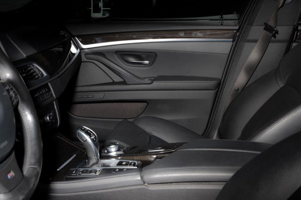 2011 BMW 5 Series 550i xDrive - 18193519 - 57