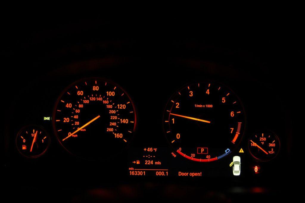 2011 BMW 5 Series 550i xDrive - 18193519 - 61
