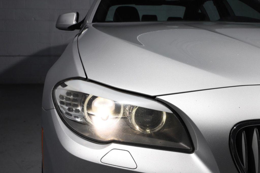 2011 BMW 5 Series 550i xDrive - 18193519 - 8