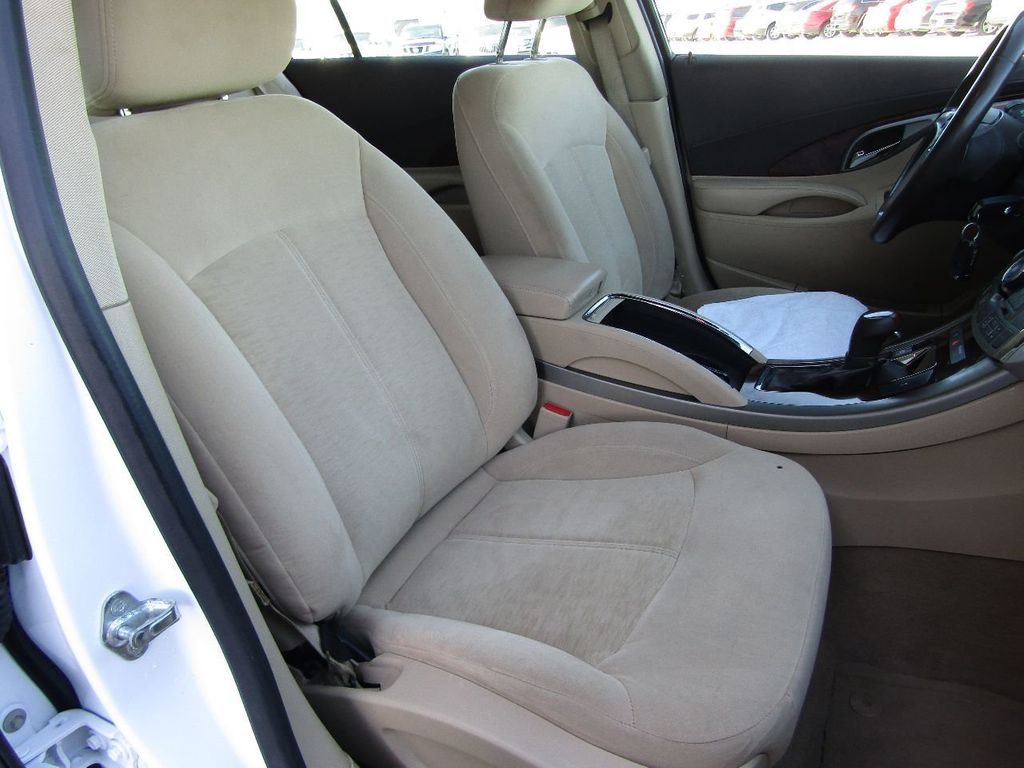 2011 Buick LaCrosse 4dr Sedan CX - 17576705 - 22